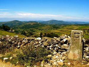 800px-Triacastela._Galicia_(Spain)