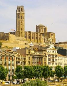 473px-Lleida_-_La_Seu_Vella_(des_de_Cappont)detalle